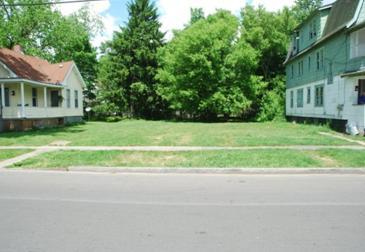 Vacant Lot: 224-226 Putnam Street